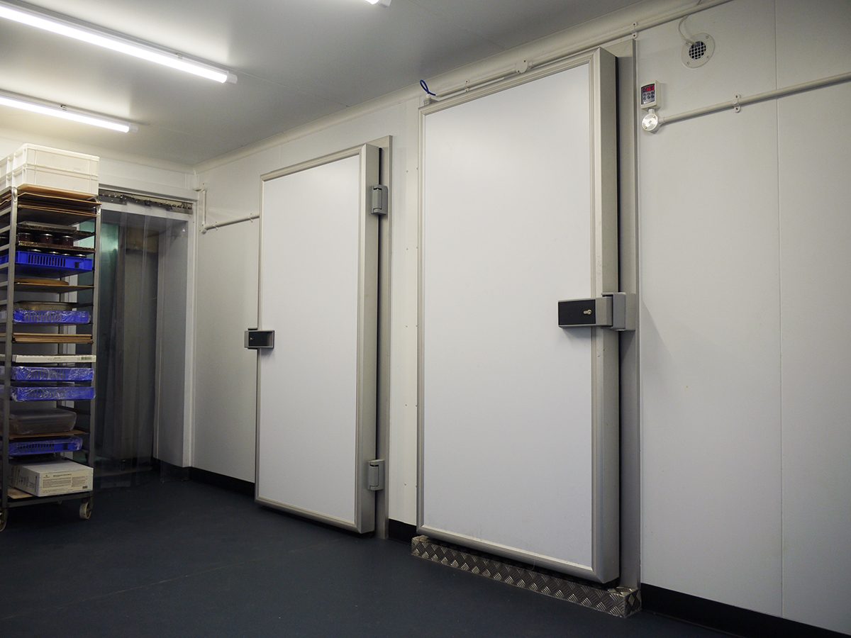 Dual Compartment with Hinged Cold Room Doors